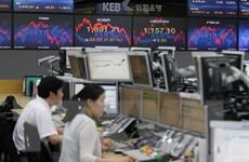 """Gam đỏ """"áp đảo"""" hấu hết các thị trường chứng khoán châu Á"""