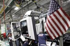 """Kinh tế Mỹ và Anh cùng """"chạy đà"""" trong cuộc đua tăng lãi suất"""