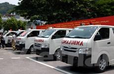 Tặng 5 xe cứu thương và 19 tỷ đồng cho người dân Quảng Ninh