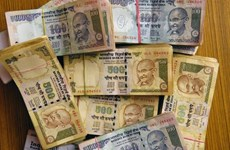 Đồng rupee trượt giá chưa có ảnh hưởng đến kinh tế Ấn Độ