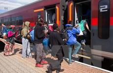 Đức: Đồng ý tiếp nhận người tị nạn, Liên minh cầm quyền rạn nứt