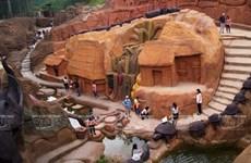 Khám phá kỳ quan nhân tạo đường hầm đất sét ở Đà Lạt