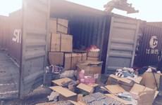 Phát hiện container hàng lậu từ Thái Lan ngụy trang đồ bảo hộ