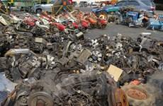 TP. HCM bắt 3 container chở đầy hàng hóa bị cấm nhập khẩu