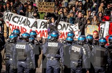 Nghị trường Pháp căng thẳng với dự luật lao động sửa đổi