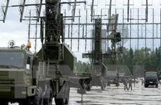 Vũ khí mới xuất hiện tràn ngập triển lãm quân sự Slovakia