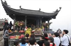 Hàng vạn người dân hành hương về miền đất Phật Yên Tử