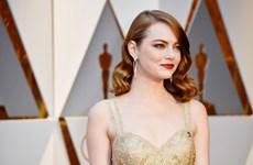 Emma Stone - mỹ nhân trang điểm nổi bật nhất thảm đỏ Oscar