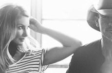 Tim McGraw và Faith Hill ra mắt album hát đôi sau 20 năm