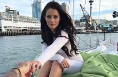 Người mẫu Playboy bị lên án vì khỏa thân ở núi thiêng của người Maori