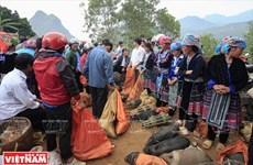 Sắc màu chợ phiên San Thàng lớn nhất tỉnh Lai Châu