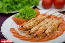 Đánh thức vị giác của thực khách với tôm xóc muối Tây Ninh