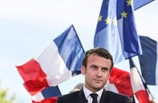 Tân tổng thống Pháp Macron: Khi tình yêu làm nên chiến thắng