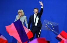 Đệ nhất phu nhân Pháp: Một hành trình đánh đổi
