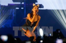Nữ ca sỹ Ariana Grande nối lại tour lưu diễn ở thủ đô Paris