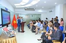 [Photo] Sứ quán Peru trao tặng sách cho Thư viện Quốc gia Việt Nam