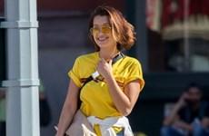 """Bella Hadid """"đốt cháy"""" mùa Hè với thời trang phong cách đường phố"""