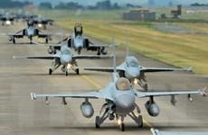Không quân Hàn Quốc tập trận phóng tên lửa tầm xa đầu tiên