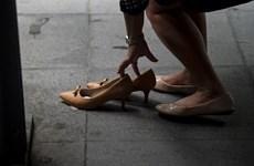 Philippines cấm bắt buộc nữ nhân viên mang giày cao gót tại công sở