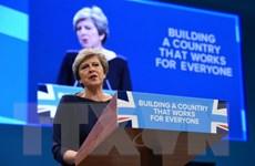 """Thủ tướng Anh khẳng định """"bóng đang ở trong chân của EU"""""""