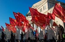 Giảng viên Mỹ đề cao sức mạnh của công nhân trong Cách mạng Tháng Mười