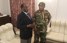 Tổng thống Zimbabwe Robert Mugabe tái xuất hiện sau cuộc binh biến