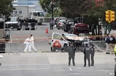[Video] Mỹ truy tìm hung thủ lao xe tải vào đám đông ở New York