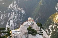 Chinh phục đỉnh Hoa Sơn - hành trình dành cho những kẻ liều lĩnh