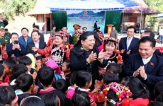 Phó Chủ tịch Thường trực Quốc hội thăm đồng bào biên giới Điện Biên