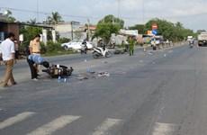 Hai xe môtô đâm nhau trên Quốc lộ 1A khiến 3 người bị thương nặng
