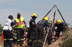 Nam Phi giải cứu an toàn hơn 950 thợ bị mắc kẹt trong mỏ vàng