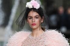 Xu hướng làm đẹp đầy tính ứng dụng từ tuần lễ thời trang Paris 2018