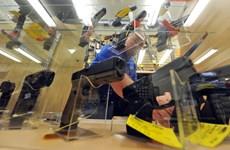 Văn hóa súng đạn ở Mỹ và sự vào cuộc của các nhà phân phối