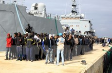 Anh cam kết hỗ trợ Libya giải quyết nạn di cư bất hợp pháp