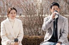 Tủ đồ đẹp rạng ngời mà không chói lóa của ''chị đẹp'' Yoon Jin Ah