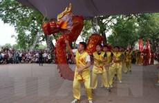 Hàng nghìn người dân nô nức trảy hội Đền Đô tại tỉnh Bắc Ninh