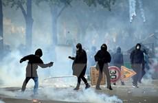 Pháp tăng cường an ninh để đối phó với các cuộc biểu tình