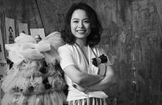 Triệu Hồng Anh: Tôi không phải típ phụ nữ hết giờ làm về nấu cơm