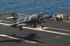 Argentina mua lại 5 máy bay chiến đấu Super Étendard của Pháp