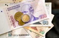 Ngân hàng Argentina bán 1 tỷ USD để chặn đà lao dốc của đồng peso