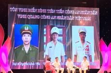 Tôn vinh cán bộ, chiến sỹ công an học tập, làm tốt 6 điều Bác Hồ dạy