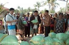 Tấm lòng Việt chia sẻ khó khăn với kiều bào, dân nghèo Campuchia