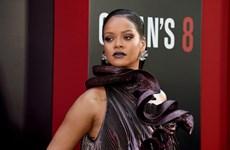 Rihanna sang chảnh tuyệt đối trên thảm đỏ ra mắt phim Ocean's 8
