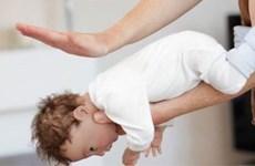 Cứu trẻ bị hóc dị vật: Người lớn chỉ có 4 phút vàng ngọc!