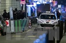 Một đối tượng có dấu hiệu tâm thần lao xe vào đám đông tại Pháp