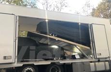 [Photo] Xe VinFast được di chuyển từ Italy tới Paris Motor show