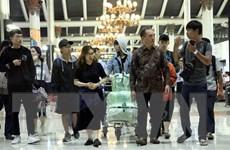 [Video] 10 sinh viên Việt Nam bị kẹt tại Palu về đến Jakarta an toàn