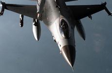 Hà Lan: Chiến đấu cơ F-16 can thiệp vụ khách Mỹ gây rối trên máy bay
