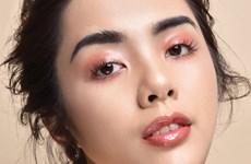 Sở hữu lớp makeup hồng ngọt lịm chỉ với ba sản phẩm makeup