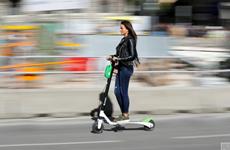 Thủ đô Tây Ban Nha cấm các loại xe scooter điện đi trên vỉa hè